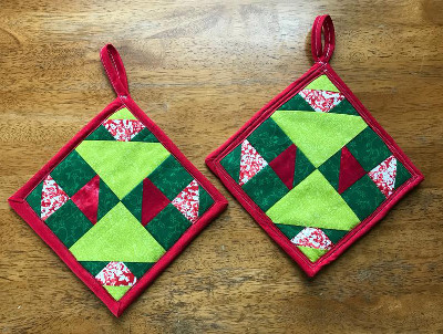 Red and green quilted pot holders